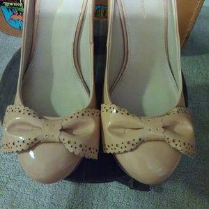 Kurt Geiger Shoes - Kurt Geiger Platform Bow Heels Size 39/8.5
